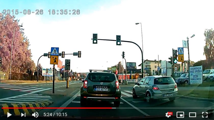 obraz wideo z kamerki samochodowej wideorejetratorów jazdy HSJ-223